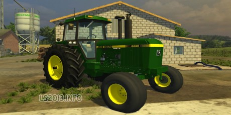 John-Deere-4440